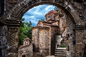 Discover Mystras, the last cradle of the Byzantine Empire